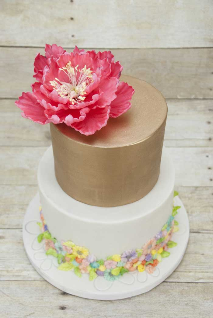 mmt-tiered-gold-topper-red-flower