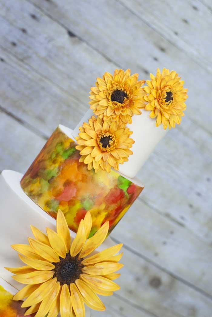 mmt-tiered-golden-flowers